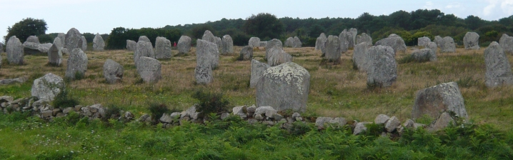 Guided tours through the megalithic sites in Carnac (Bretagne)