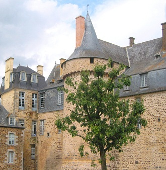 Celebrate events in Brittany in a castle!