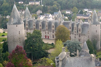 Day tours in Brittany, including castles (Josselin)