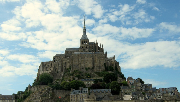 Private tours in Mont Saint Michel with a local English speaking guide
