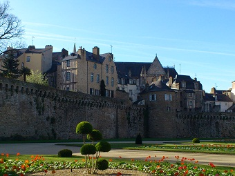 Vannes and its ramparts, along our tour